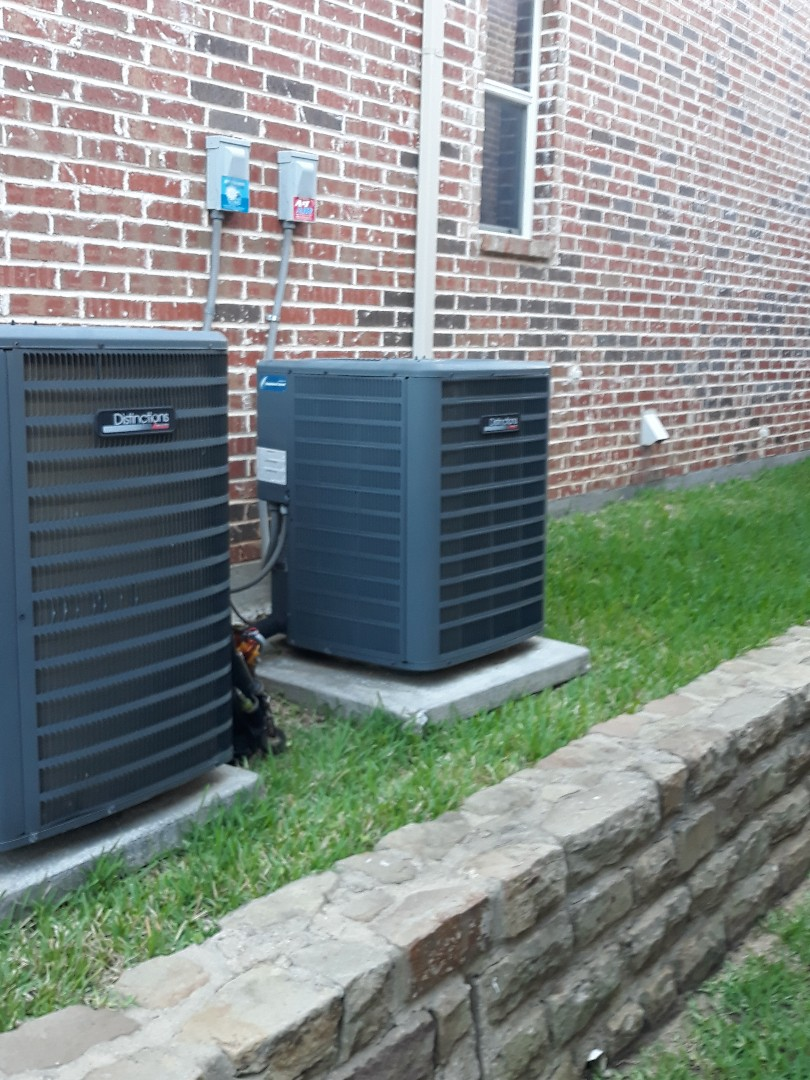 Flower Mound, TX - Air conditioning not cooling service call. Performing service on Goodman system