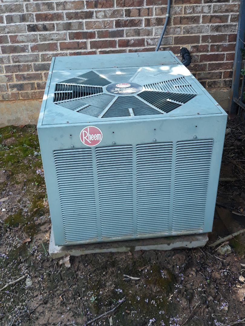 Keller, TX - Air conditioning repair on a Rheem.