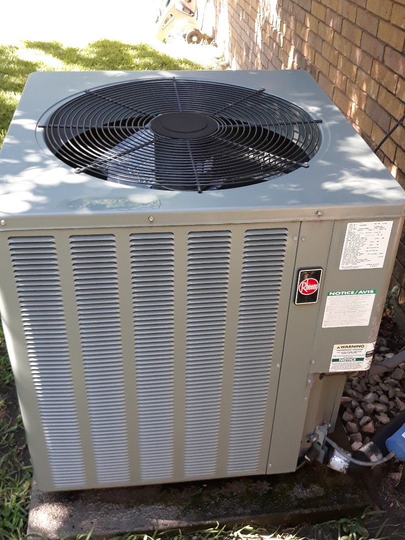 Grapevine, TX - Air conditioning tune up and maintenance on a Rheem.