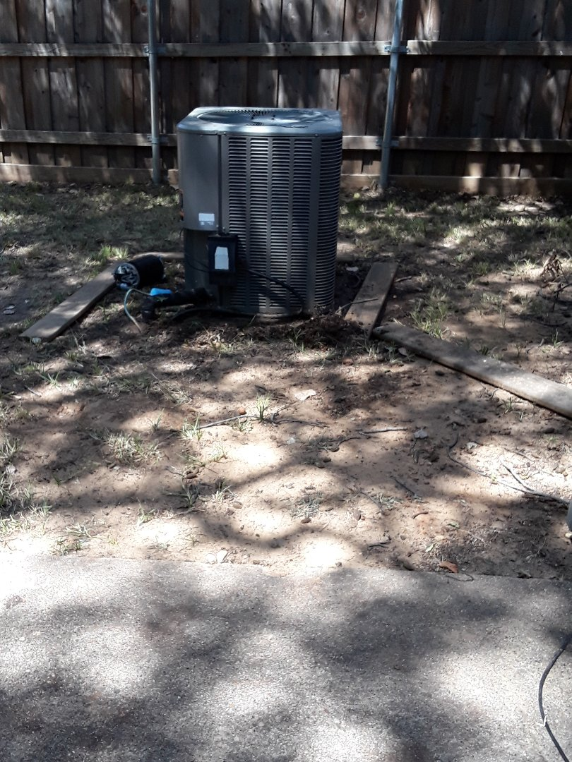 Irving, TX - AC unit no cooling. Leak tested