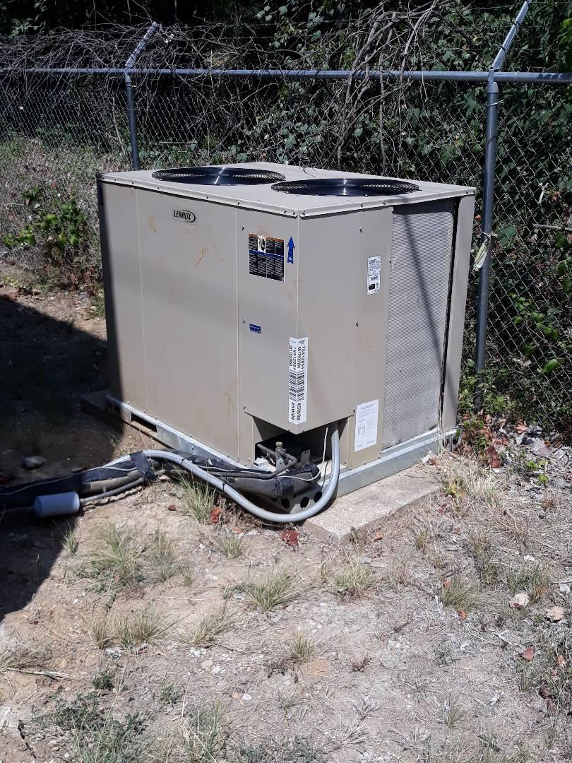 Arlington, TX - Air Conditioner service call. Performed Air Conditioner repair on Lennox unit