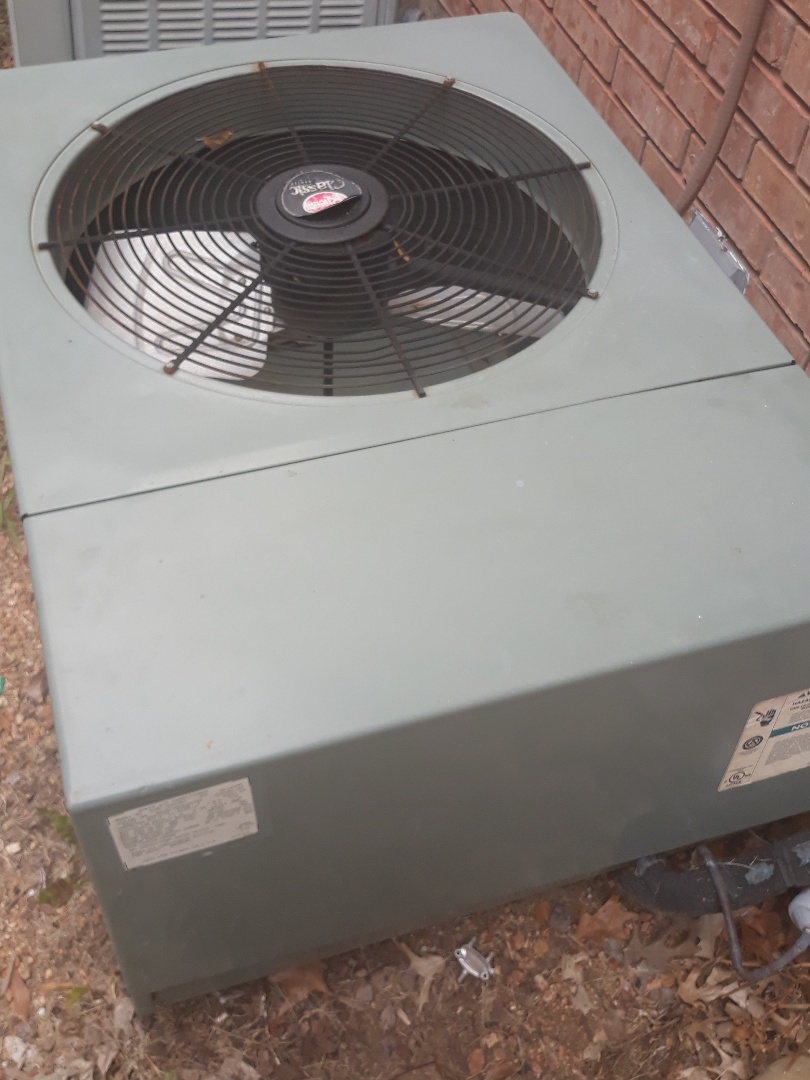 Coppell, TX - Air Conditioning repair on a Rheem.