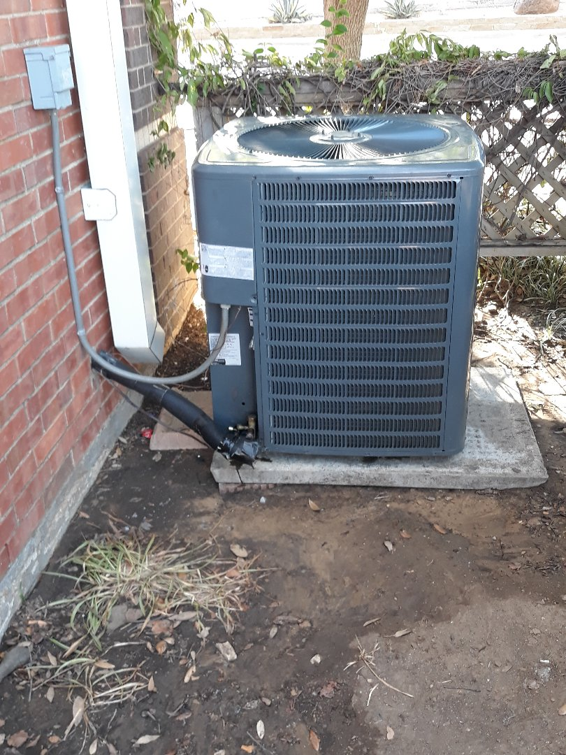 Grapevine, TX - AC repair on a Goodman.