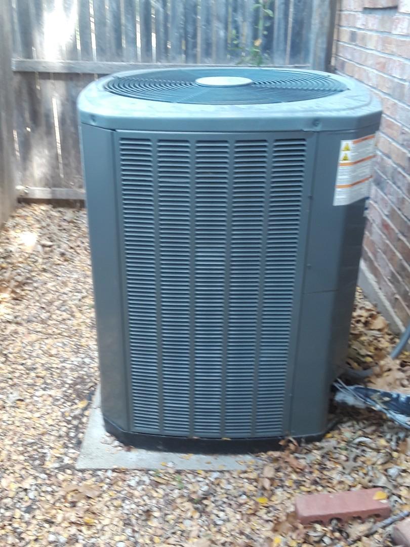 Arlington, TX - Ac repair on Trane condenser