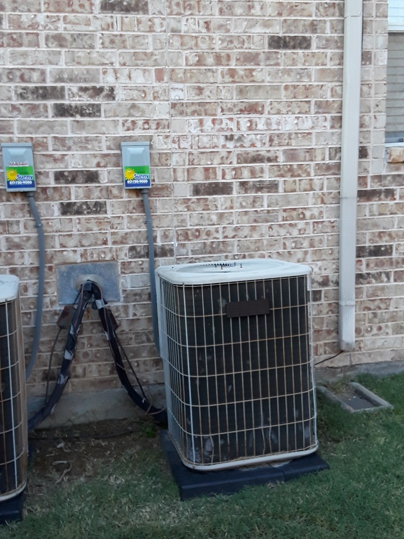 Flower Mound, TX - Air Conditioner was not cooling.  Replaced a  bad capacitor on a Lennox Condenser with R22 Freon refrigerant