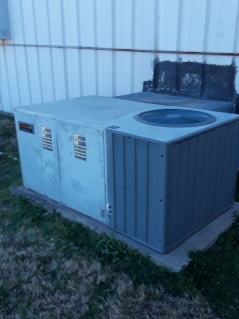 Haltom City, TX - Heat repair Trane heat pump package unit
