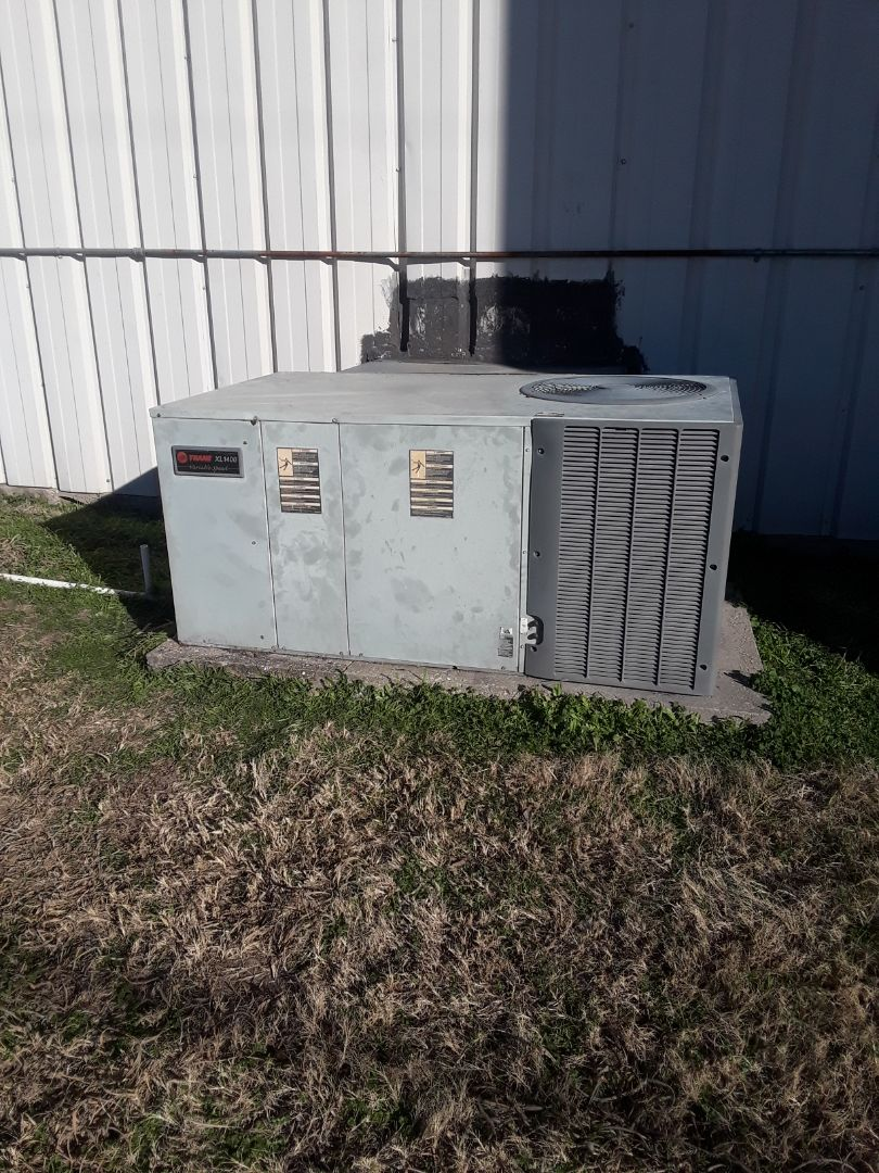 Haltom City, TX - Service trane heat pump