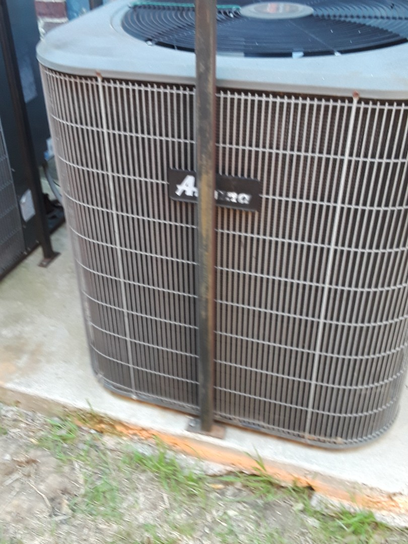 Fort Worth, TX - Heat Pump repair on an Amana.