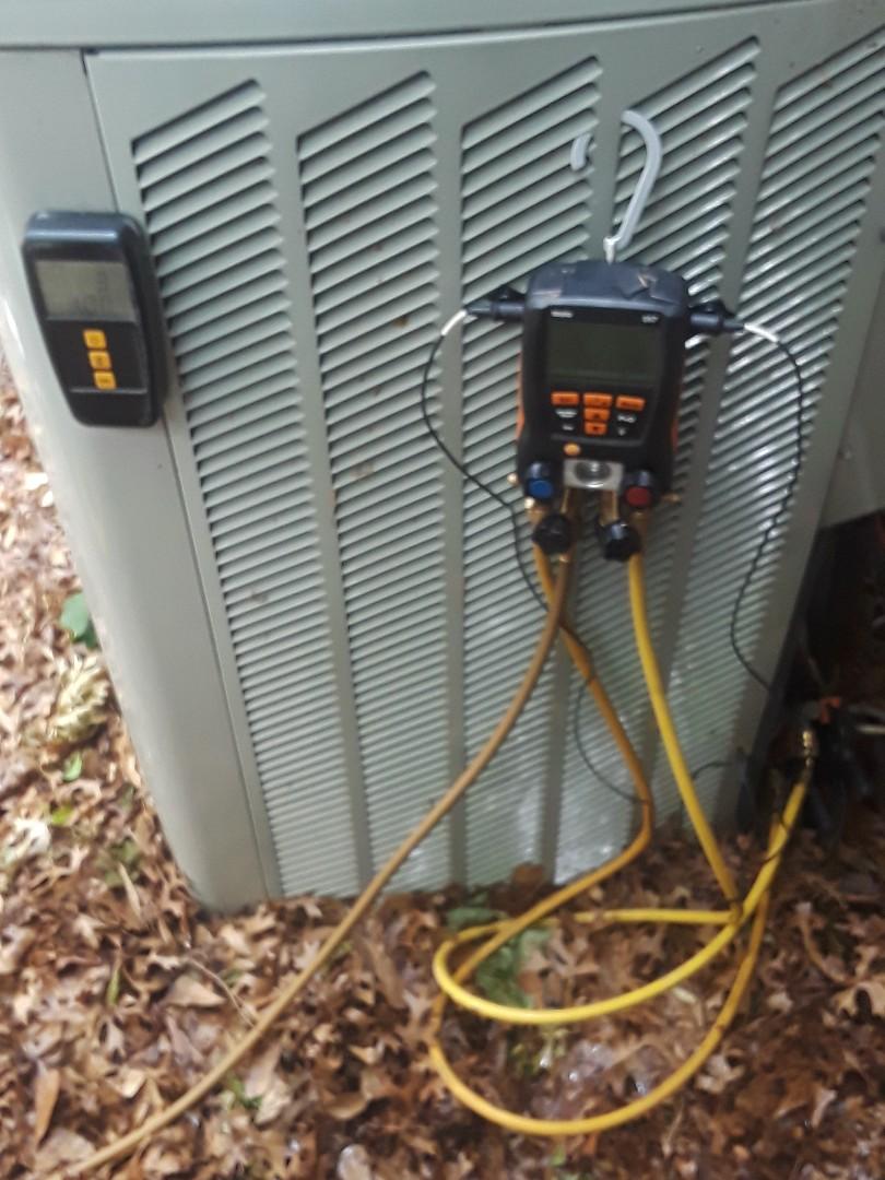 Bedford, TX - Air conditioner repair on a Trane.