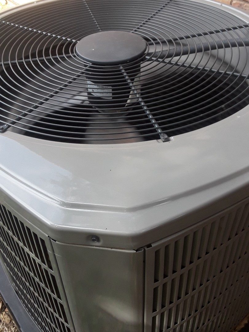 Bedford, TX - No a.c. and Trane system.