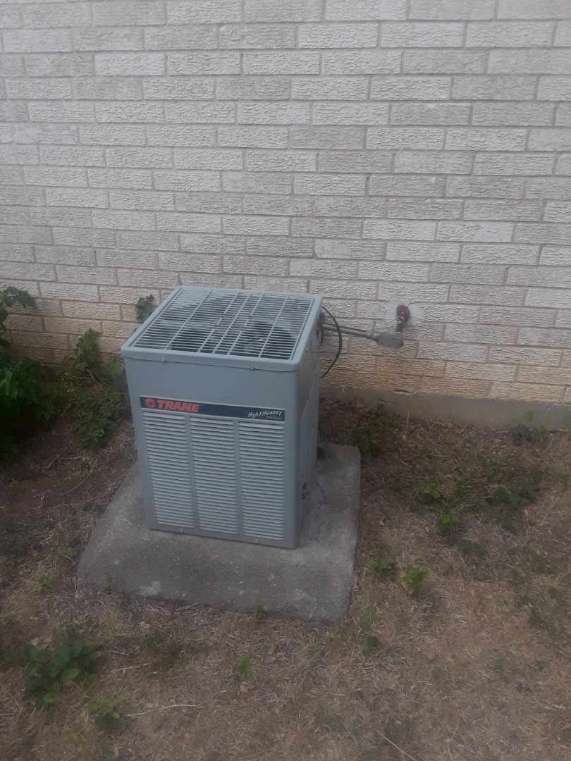North Richland Hills, TX - Ac tune up on a Trane.
