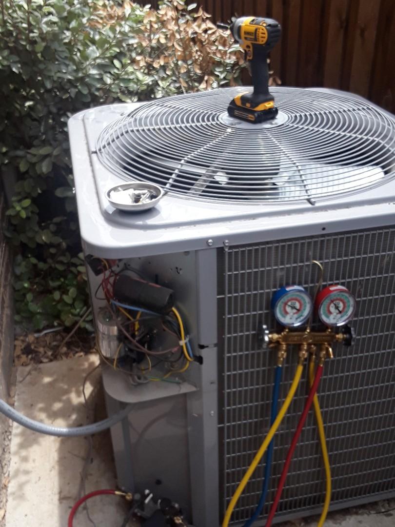 Arlington, TX - Carrier unit not cooling