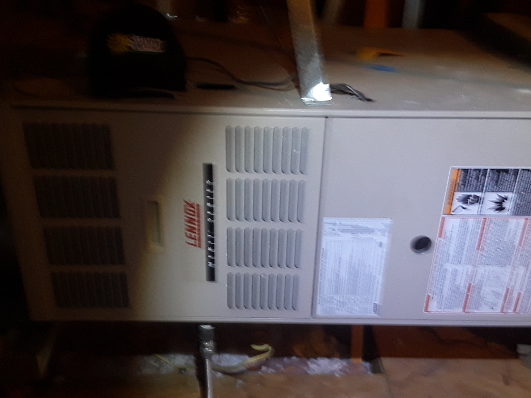 Fort Worth, TX - Air conditioning maintenance on lennox system