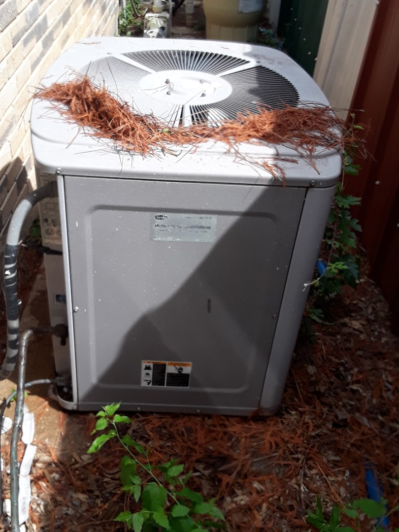 Arlington, TX - Carrier Air conditioning is not blowing cold air.