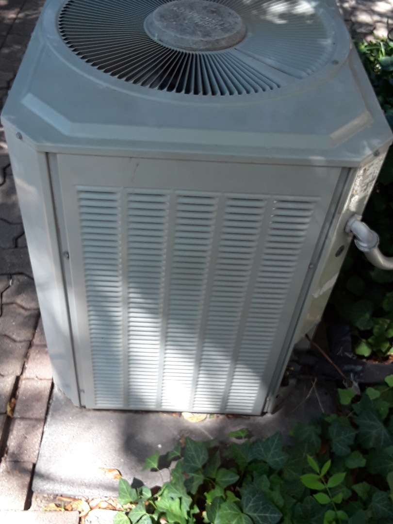 Fort Worth, TX - Air conditioner not cooling
