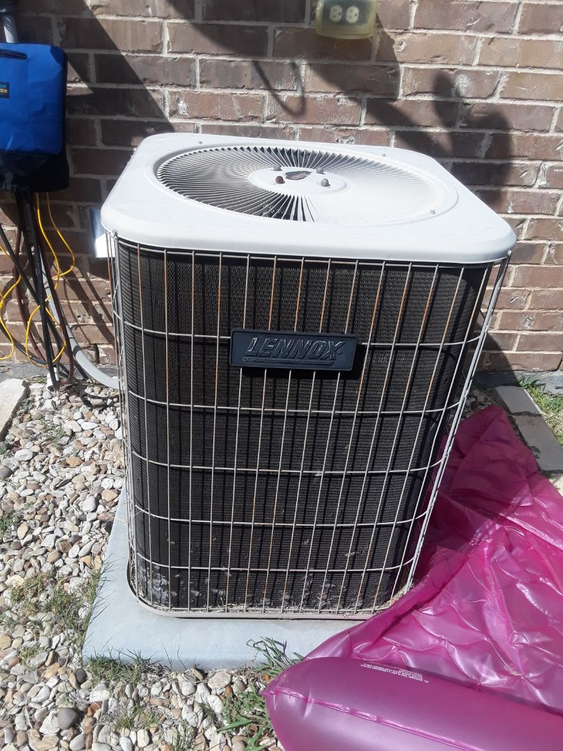 North Richland Hills, TX - Air conditioner not coolinh