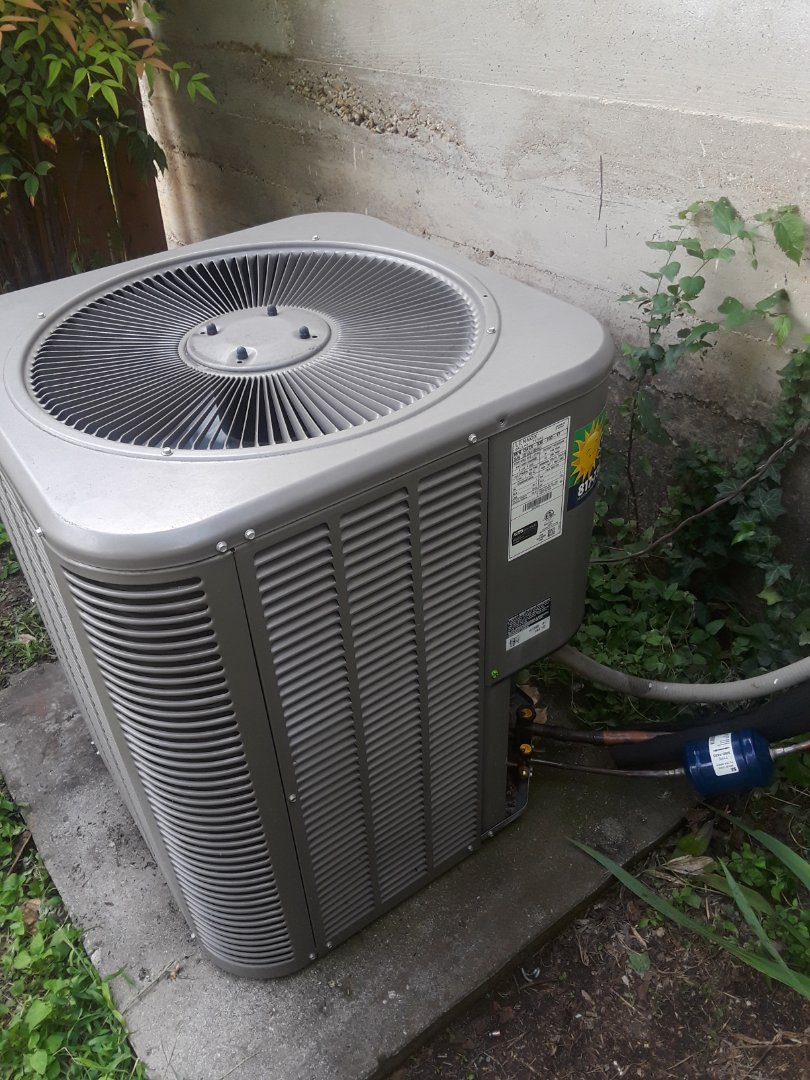 Fort Worth, TX - Replacing Outdoor Coil