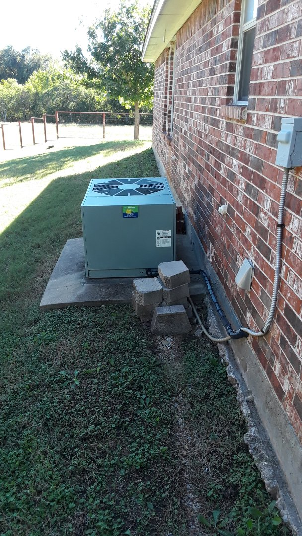 Hurst, TX - Comfort club member heat tune up on Rheem.