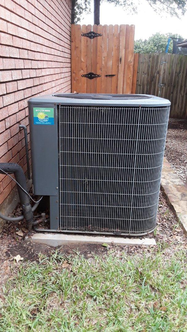 Bedford, TX - Prepaid heat tune up on an Amana.