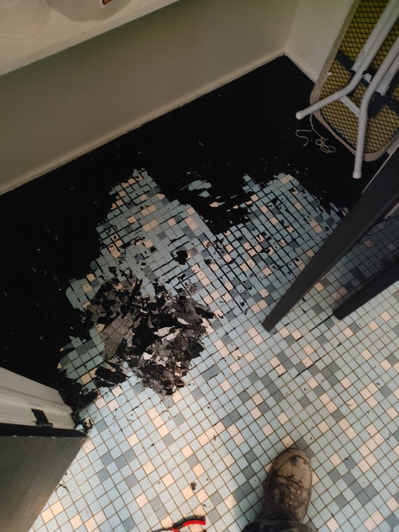 Fayetteville, NC - Refinishing bathroom floor!!!