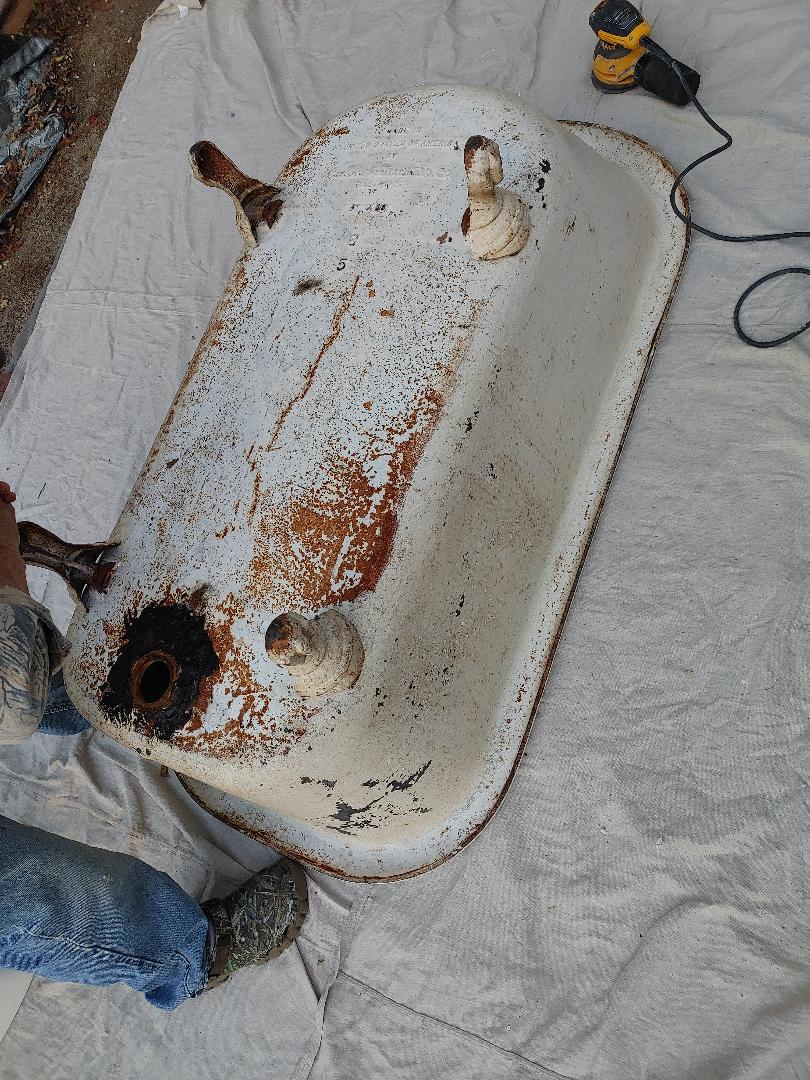 Laurinburg, NC - Refinishing tub and toilet