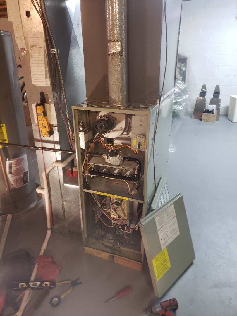 Powell, OH - Working on a 1995 Trane XE80 natural gas furnace
