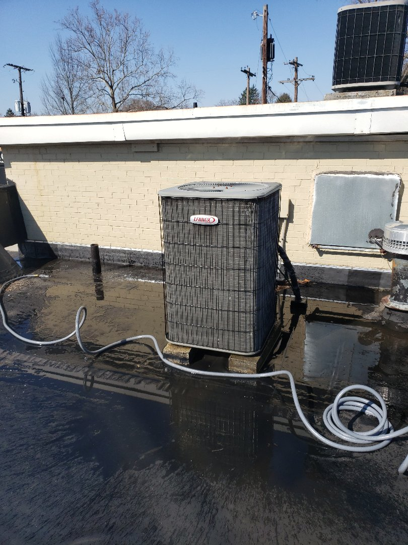 Worthington, OH - Performed preventative maintenance on a light commercial 4ton rooftop  unit for Verizon wireless