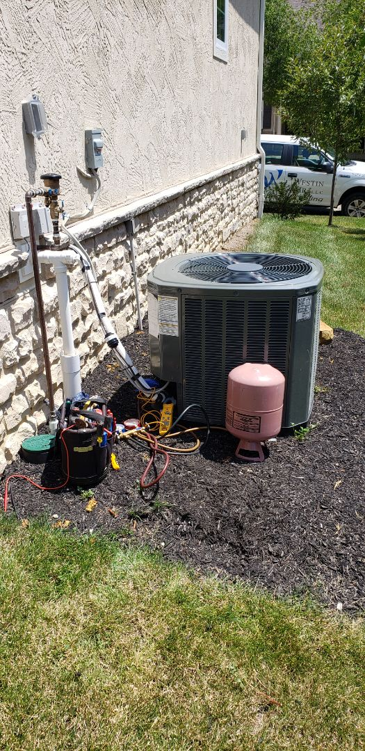 Dublin, OH - Charging up a new Trane XR13 Air Conditioner