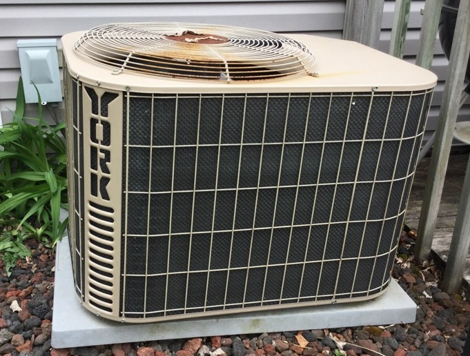 Worthington, OH - York Heating and Air  Condenser coil cleaning and Freon pressure balance