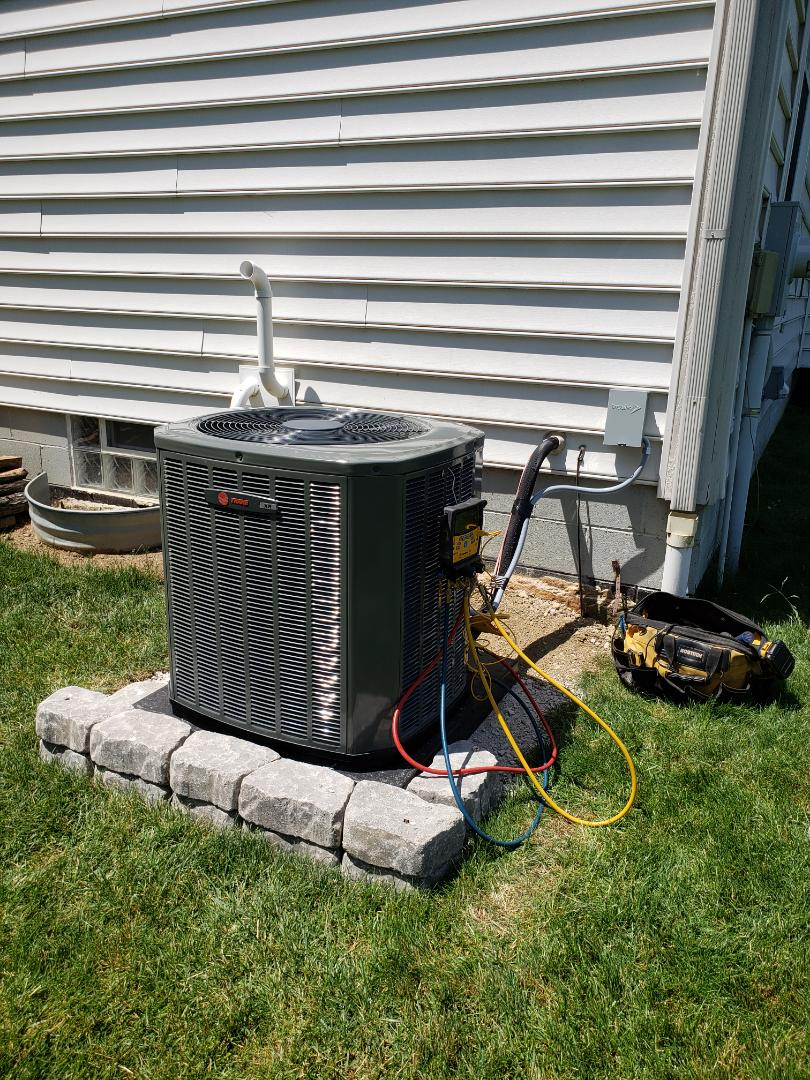 Powell, OH - Installing a new Trane air conditioner