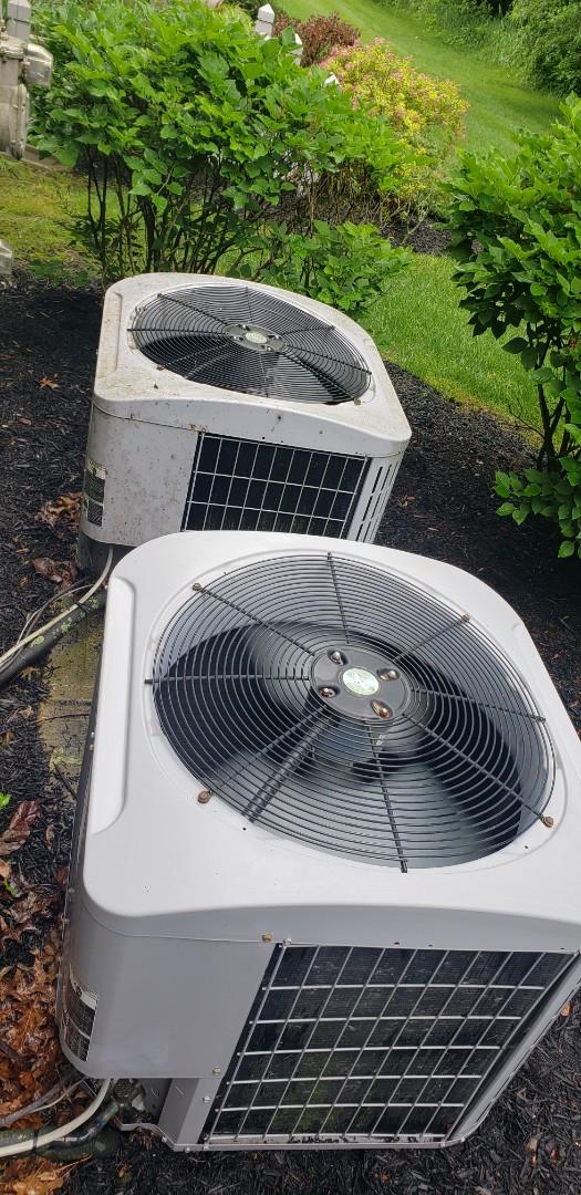 Columbus, OH - Air conditioner maintenance in Westerville Ohio.