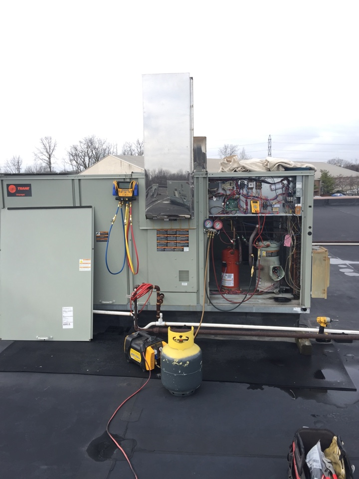 Hilliard, OH - Replacing a compressor in a Trane RTU in Hilliard, Ohio
