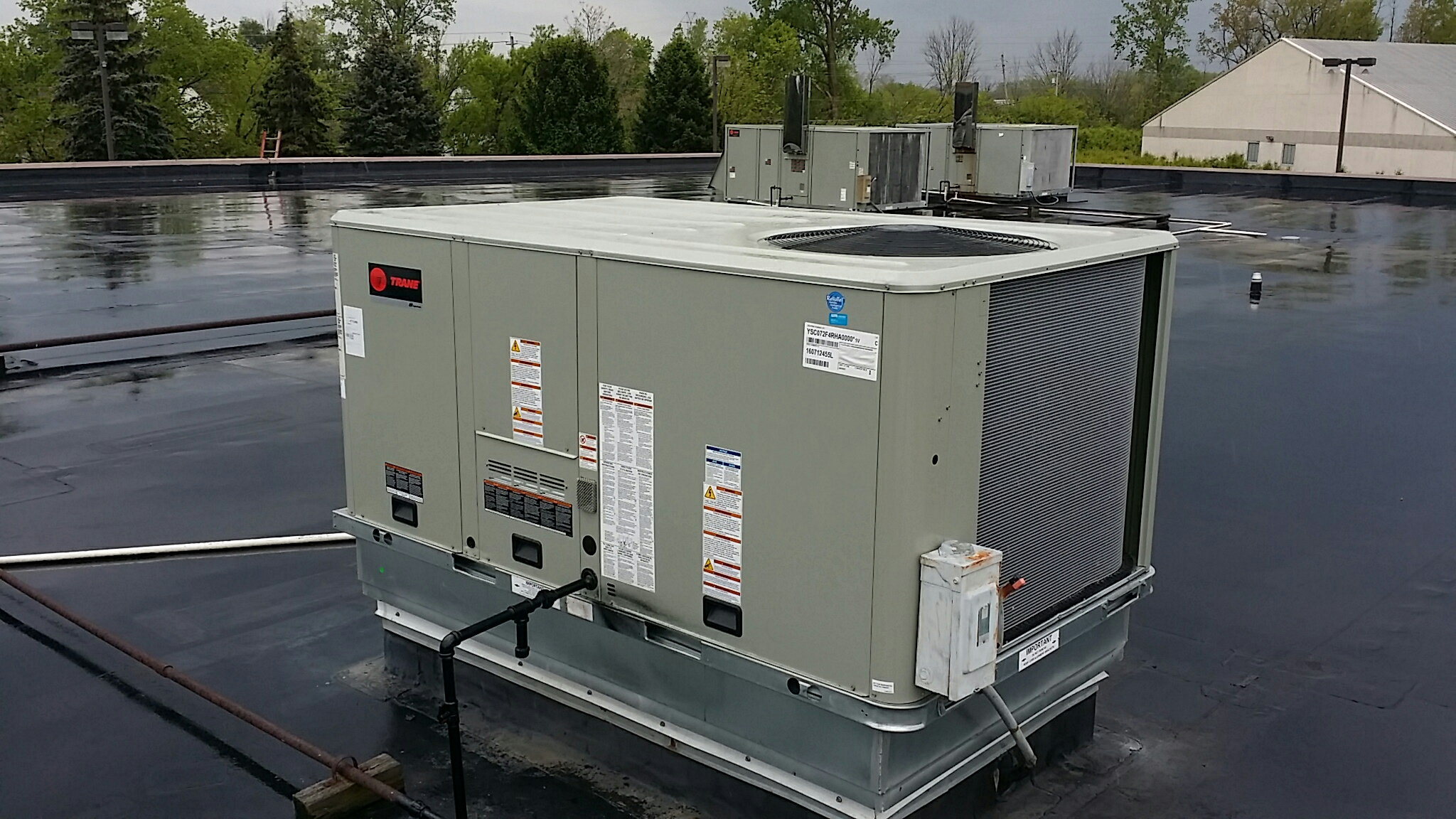 Hilliard, OH - Trane Voyager reliatel Rooftop Heating and Cooling package unit Retrofit replacement  Dish Network call center  Mill Meadow Drive Hilliard Ohio