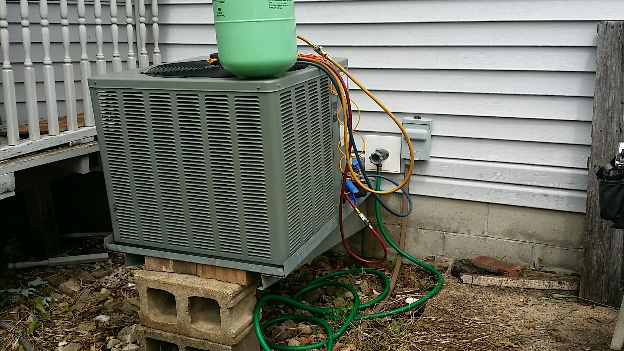 Grove City, OH - Weather King, product of Rheem Ruud  Maintenance Cleaning and R22 freon refrigerant recharge  Grove Oak Court  Grove City Ohio 43123