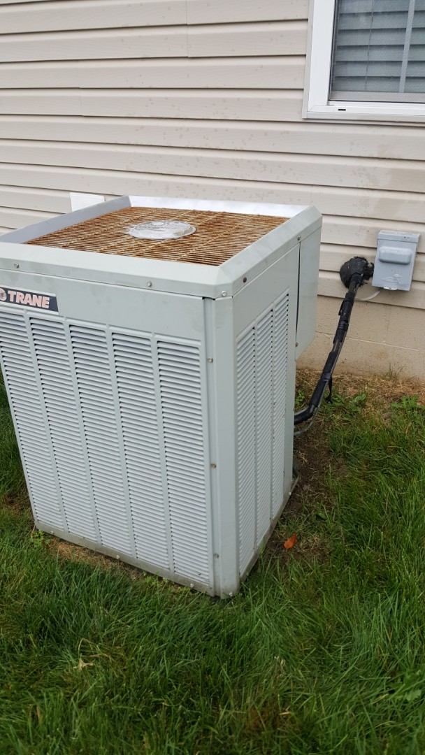Lewis Center, OH - Trane xb1000 cooling system R22 freon recharge and coil flush