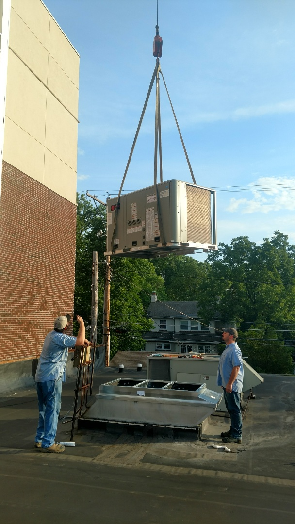 Columbus, OH - Trane Rooftop unit installation on commercial building in Bexley.