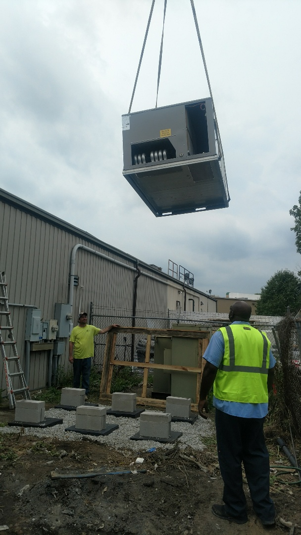 Columbus, OH - Installing 7.5 ton package unit at Zettler Hardware near Powell.