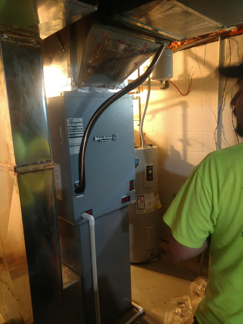 Powell, OH - Water Furnace 5 series Geothermal split system with Tempstar gas furnace installation in Powell.