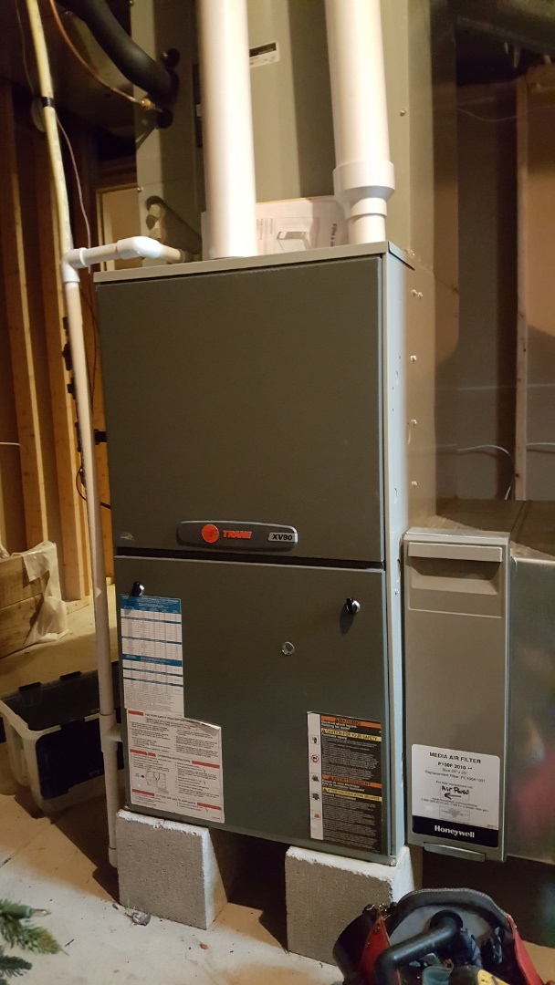 Powell, OH - Trane xv90 high efficiency gas heating.  Maintenance Cleaning Riverpoint Ct Powell, OH 43065