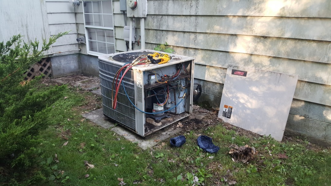 Pickerington, OH - No cool Diagnostics  Blown 9 pounds R22 refrigerant charge  26 year old high efficiency Lennox equipment Replacement estimate