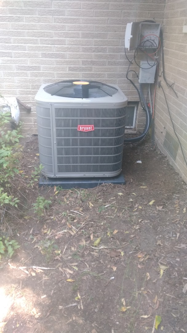 Rochester Hills, MI - Install the three and a half ton Bryant air conditioner
