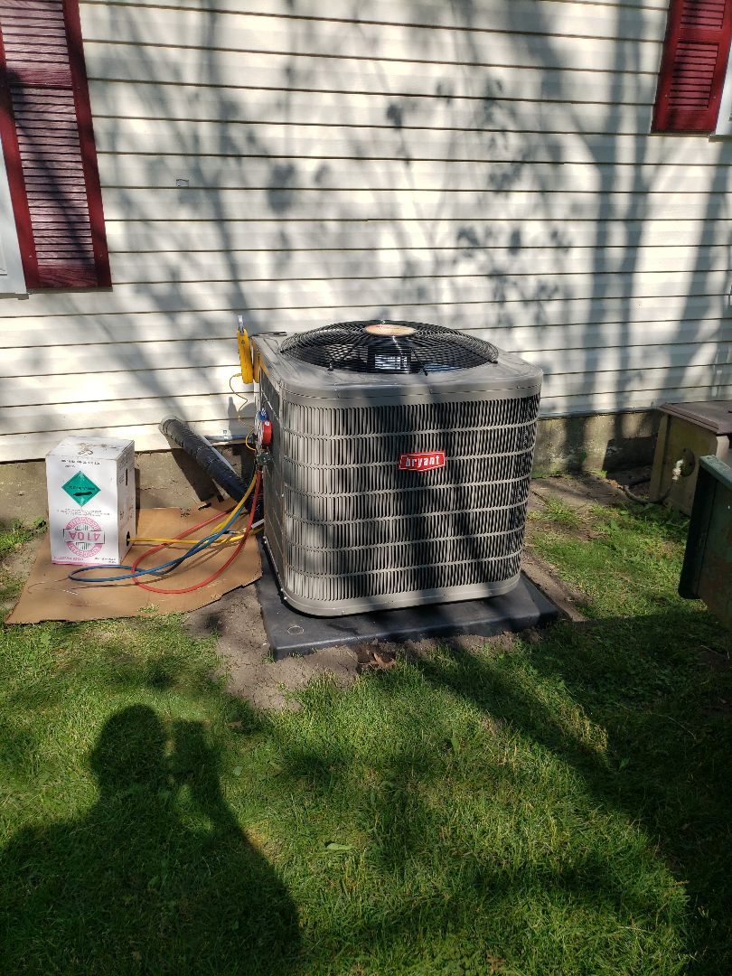 Holly, MI - Finishing up on a new Bryant Preferred series air conditioner