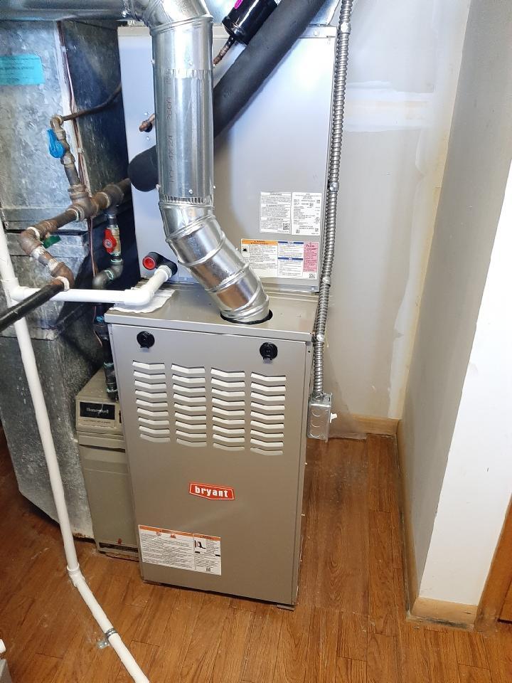 Holly, MI - Installed a 90000 BTU Bryant furnace
