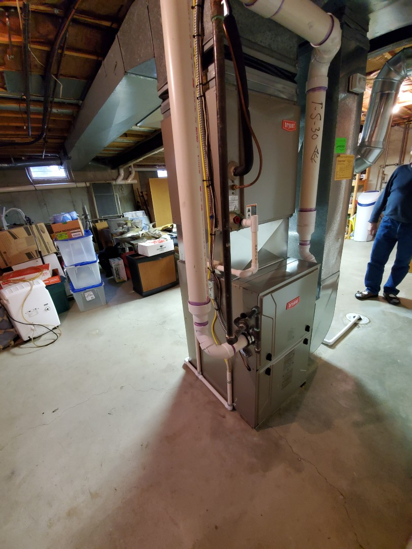 Commerce Charter Township, MI - Install the 96% Efficient Bryant evolution furnace