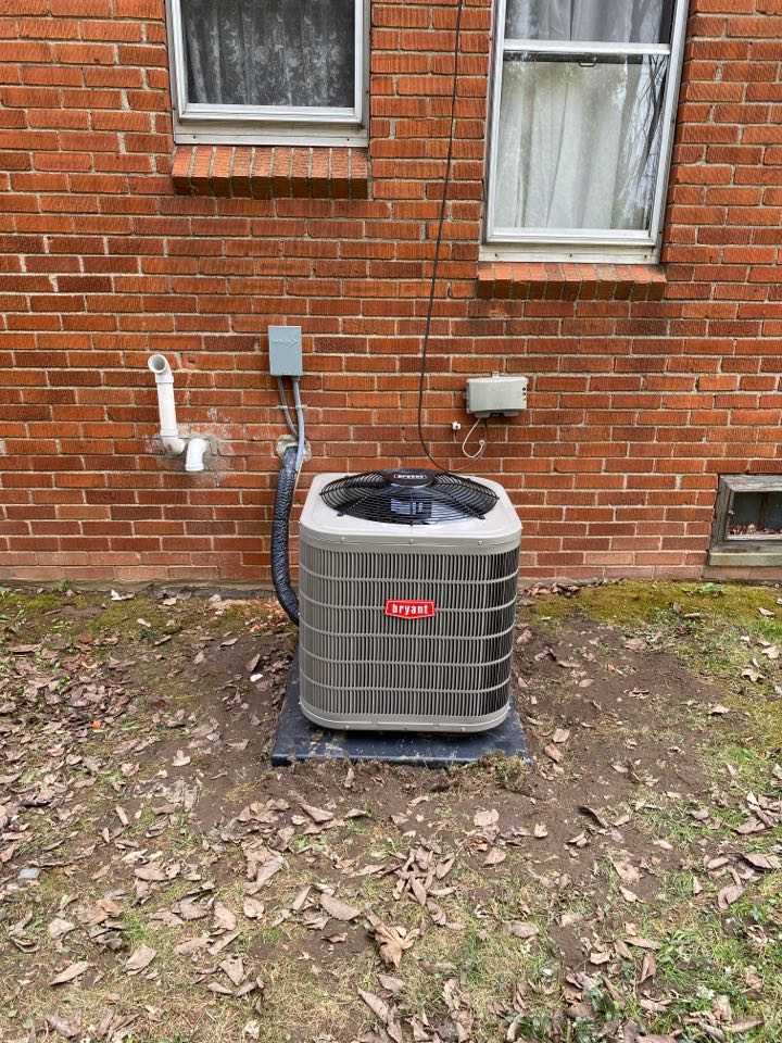 Waterford Township, MI - Installed a 2.5 ton Bryant Air Conditioner