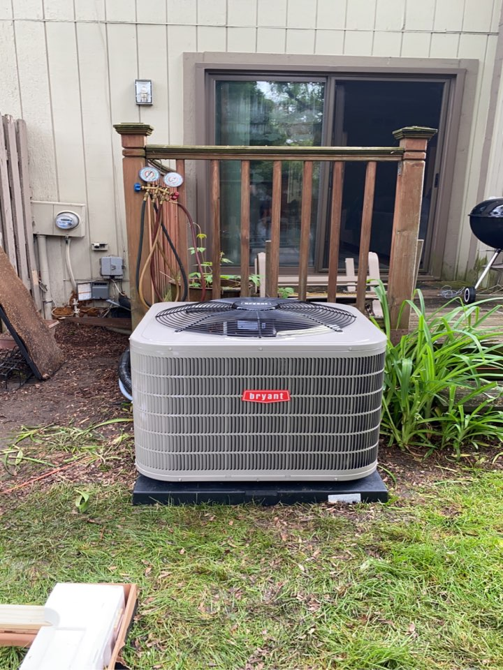 West Bloomfield Township, MI - Installed a 3 ton Bryant air conditioner