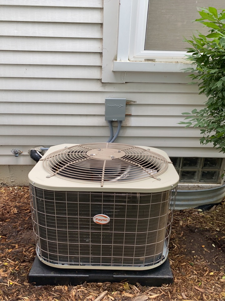 Walled Lake, MI - Installed a 1.5 Ton Payne air conditioner
