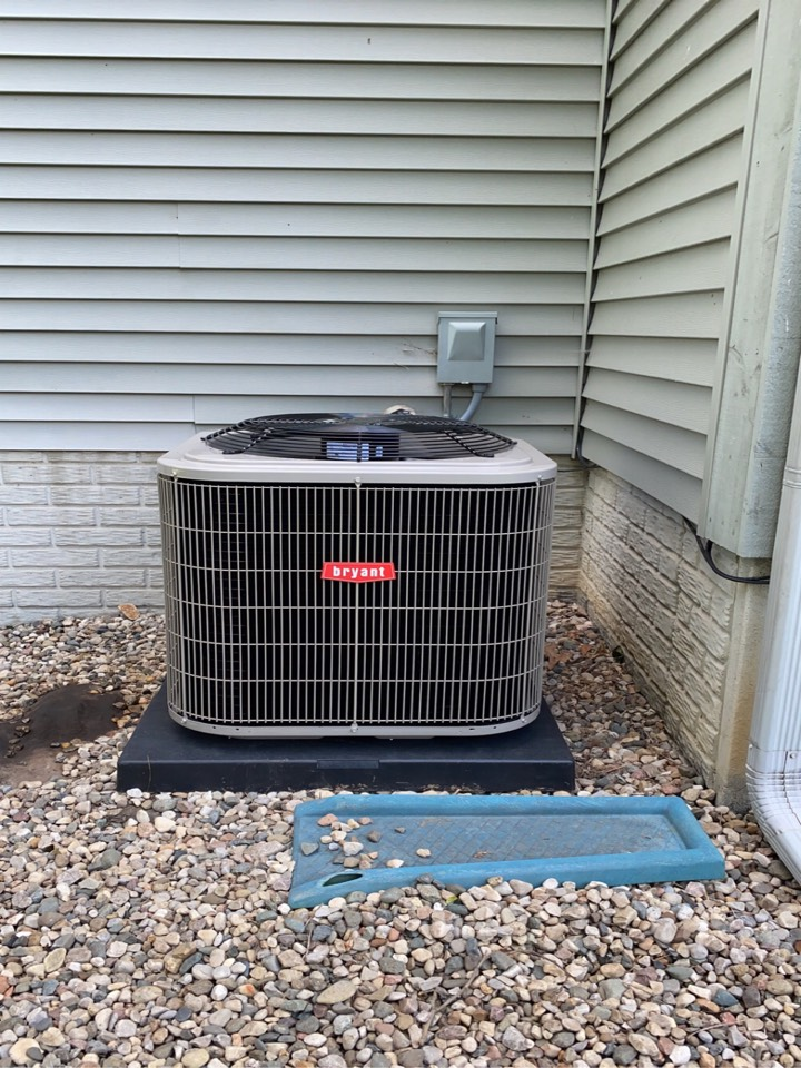 White Lake charter Township, MI - Installed a 2.5 ton Bryant air conditioner