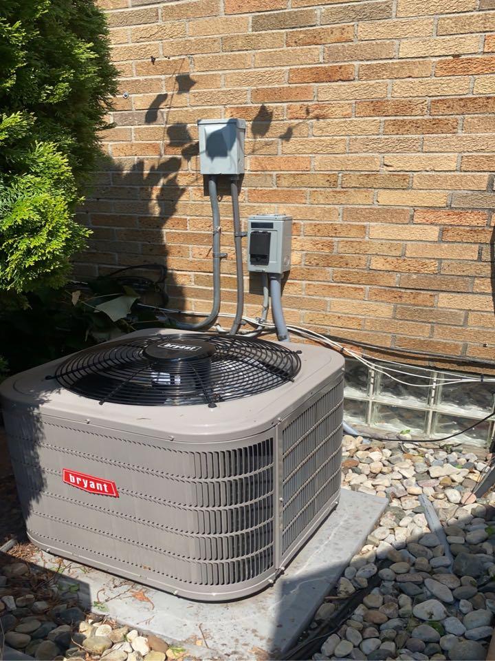 Birmingham, MI - Installed a 2 ton Bryant Air conditioner