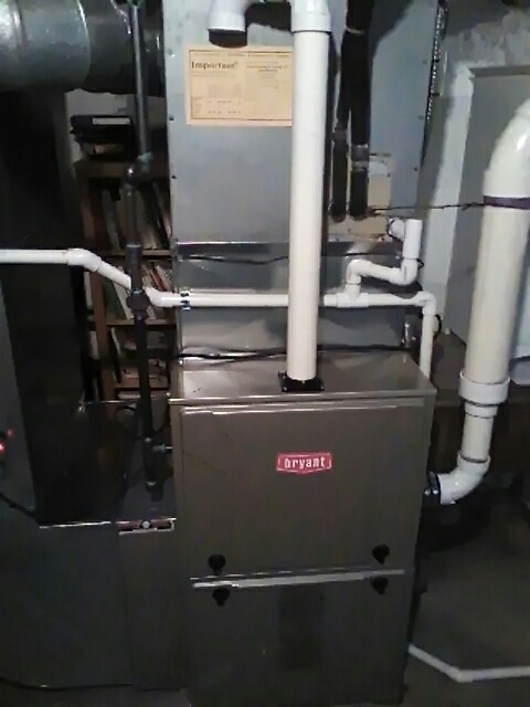 Franklin, MI - Installing a new Bryant 96% efficient furnace